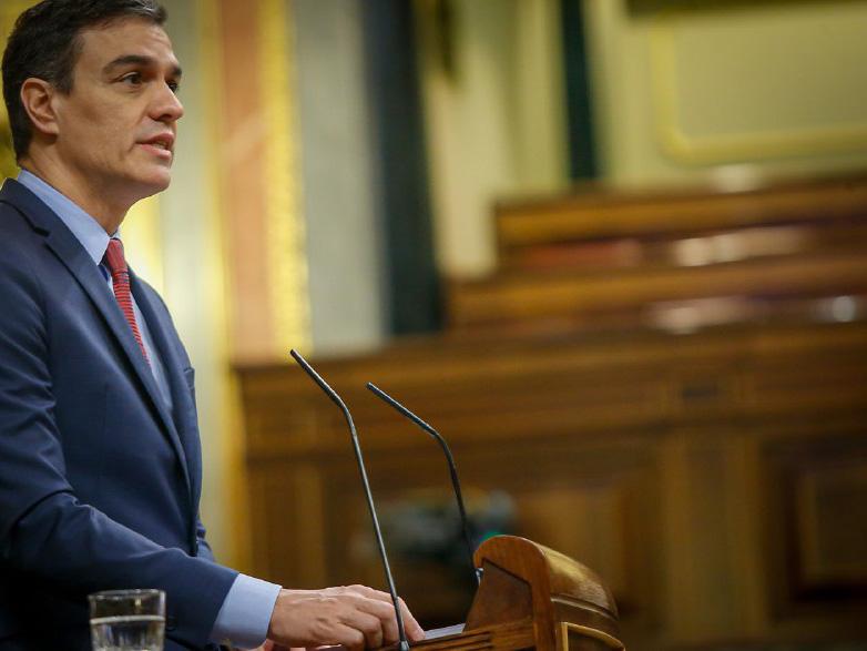 Pedro Sánchez durante un momento en su intervención en el Congreso